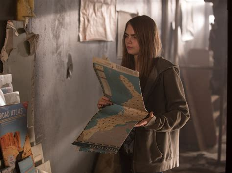 film paper towns adalah paper towns movie images and teaser reveal new john green