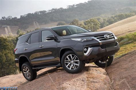 toyota new suv car 2016 toyota fortuner suv revealed car reviews new car