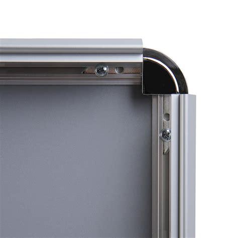 cornici per poster 70x100 cornici a scatto 70x100 con profilo 32 mm e angoli tondi