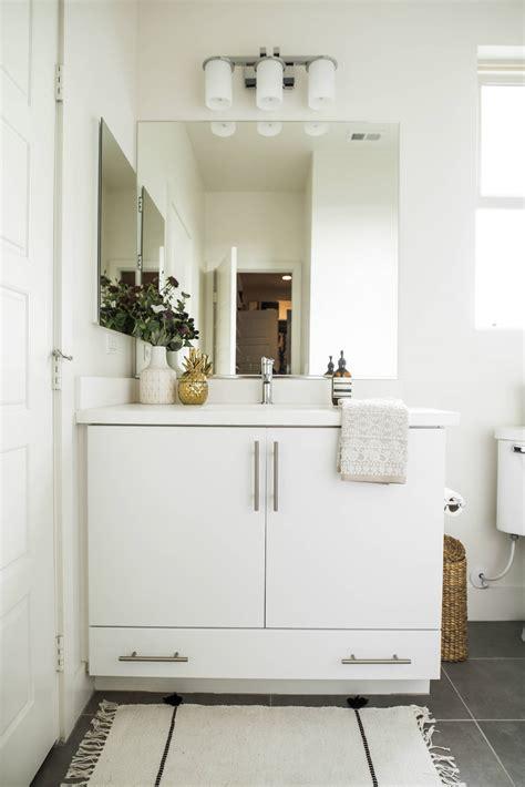 11 easy ways to make your rental bathroom look stylish decoholic ways to make your bathroom less boring
