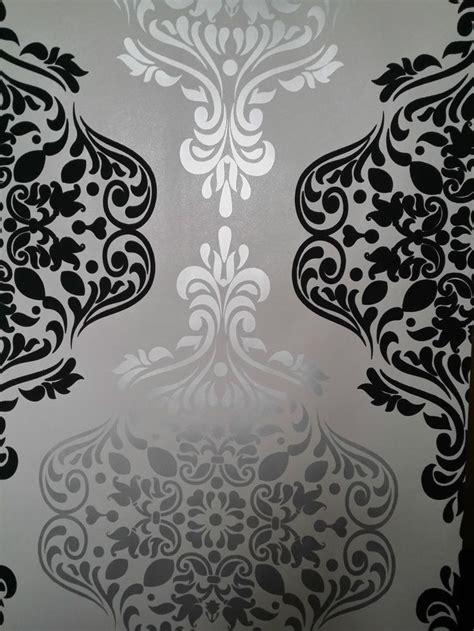 luxury wallpaper light gold dark grey damask feature