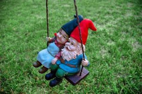 swinging gnome just a swingin 1 photo free download