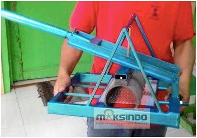 Mesin Pemotong Kerupuk Manual alat pemotong kerupuk lontongan manual agrowindo agrowindo