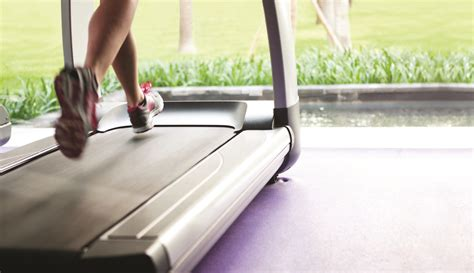 how to your to run on a treadmill this is how to survive a treadmill run s running