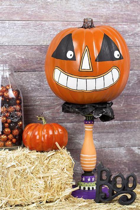 painted vintage pumpkin character project  decoart