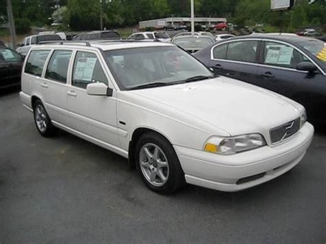 volvo station wagon 1998 1998 volvo v70 wagon start up engine and in depth tour
