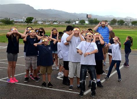 rainy skies block out the eclipse kingman daily miner