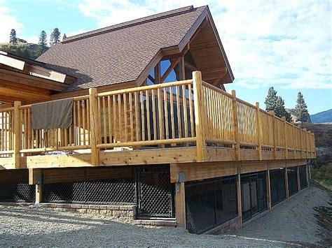 dog house under deck under the deck dog kennel outdoor spaces pinterest