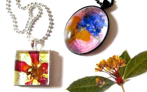 pressed flower pendants     glass pendant