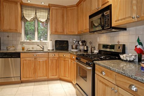 kitchen designs for split level homes glamorous acabbfdadbecdd the bergen county homes blog18 ridge road cresskill nj