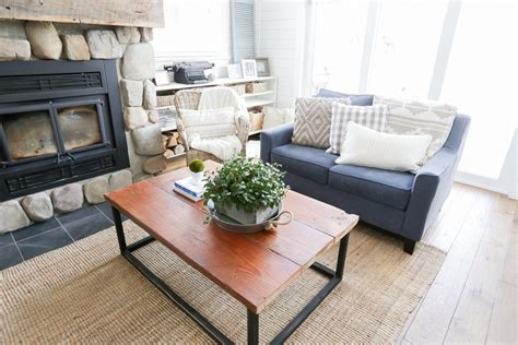 diy reclaimed wood coffee table remodelaholic diy reclaimed wood coffee table with faux