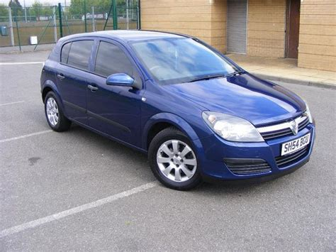 vauxhall blue used blue vauxhall astra 2004 petrol 1 6i 16v 5dr