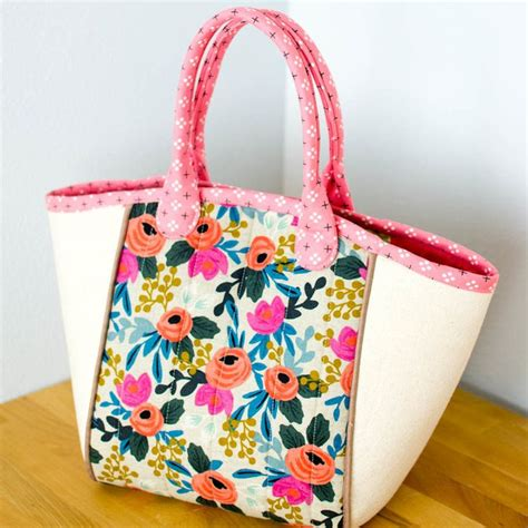 free tote bag pattern pinterest 193 best images about sew much fun tote bags on