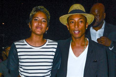 pharrell williams biography life family childhood pharrell williams and his parents www pixshark com