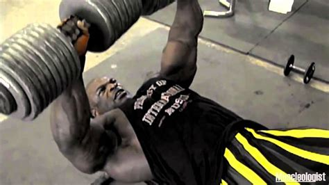 ronnie coleman bench ronnie coleman doing dumbbell bench presses youtube