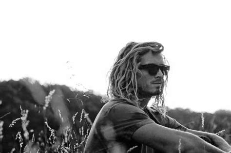 Surfer Hairstyles For Guys by Surfer Hair For 50 Inspired S Hairstyles
