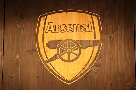 arsenal gifts 7 gooners arsenal gifts inspired gift ideas