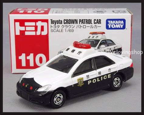Tomica 110 Toyota Crown Patrol Car tomica 110 toyota crown patrol car 1 69 tomy 2012