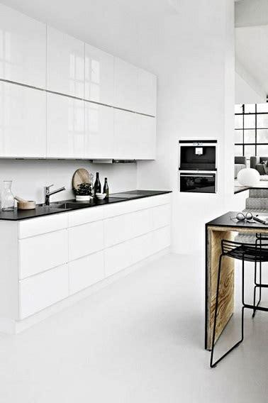 Charmant Le Bon Coin Meubles De Cuisine #4: cuisine-blanche-design-meubles-modernes-blancs-laques.jpg