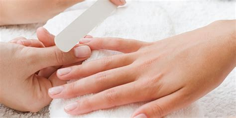 How Do You Get Nail Furniture by How To Make A Manicure Last Lasting Nail