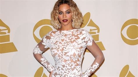 Beyonce's Sexy, Revealing Grammys Dress Was a Size 2