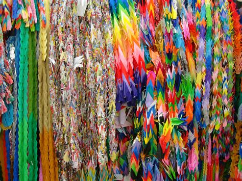 1000 Origami Cranes - one thousand cranes psychology spirituality