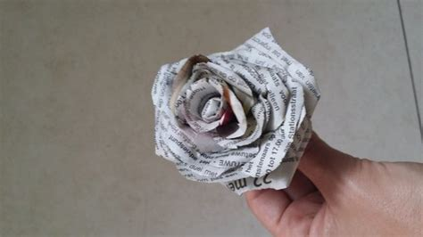 How To Make News Paper - 10 diy newspaper flowers guide patterns