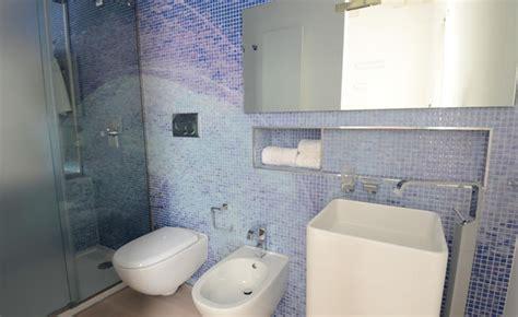 dipingere le piastrelle bagno pareti bagno come dipingerle