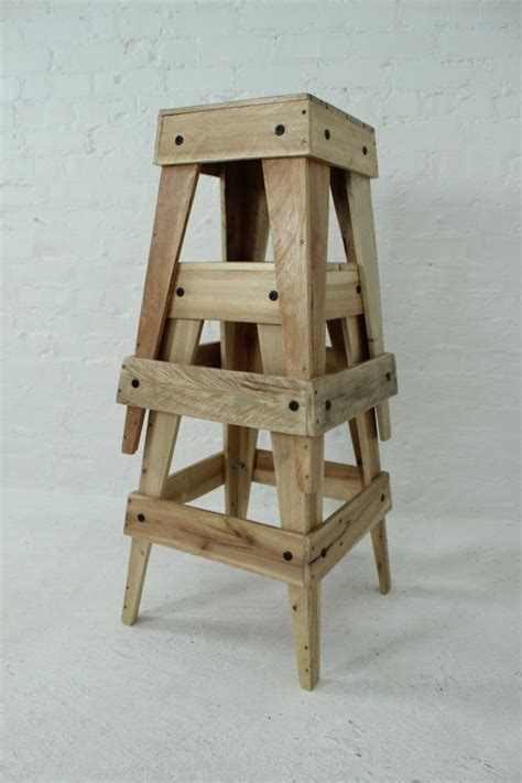 Pallet Bar Stools by 25 Best Ideas About Pallet Stool On Pallet