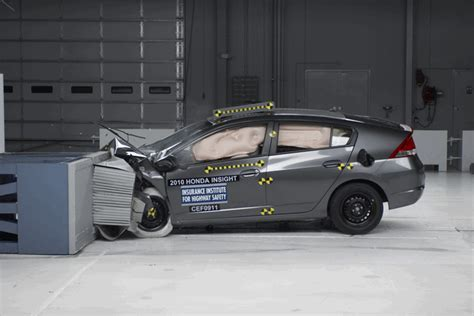 car crash test car crash ford car crash test