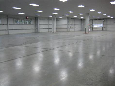 pavimenti colorati pavimenti in resina pavimenti industriali con pavimenti