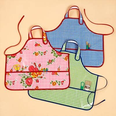 sewing oilcloth apron 111 best sew aprons images on pinterest aprons sewing
