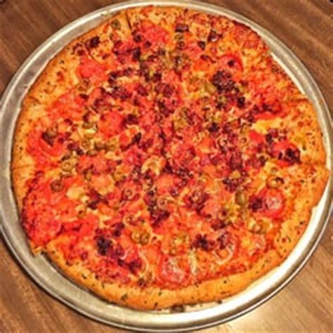 hound dogs pizza hounddog s three degree pizza 117 foton 392 recensioner pizza 2657 n high st