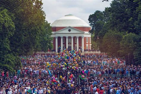 Charlottesville Mba by As Charlottesville Recovers From Weekend Alumni