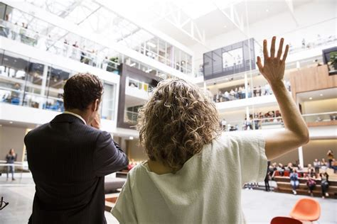 airbnb wedding couple got married at airbnb hq business insider