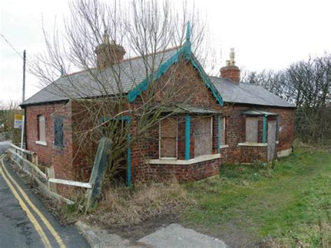 Cottages In Tynemouth by 2 Bedroom Detached House For Sale In Pier Cottage Pier