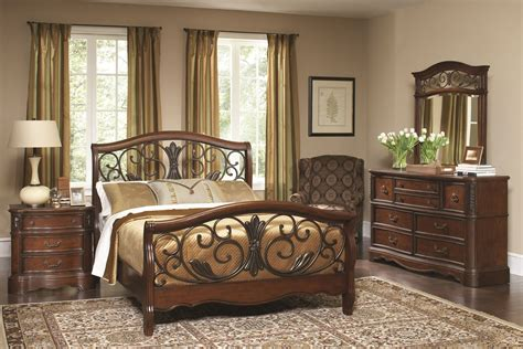 Meade Furniture by Meade Courtyard Cherry Panel Bedroom Set B1095 52h