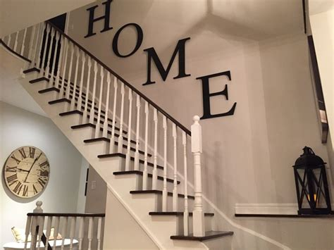 Decorating Staircase Wall Ideas Best 25 Stairway Wall Decorating Ideas On Pinterest Adastra