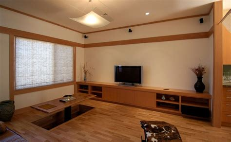 Decorate Guest Room by Modern Designs Revolving Around Japanese Dining Tables