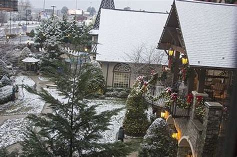 the inn at christmas place bed bugs christmas inn pigeon forge tn bed bugs myideasbedroom com