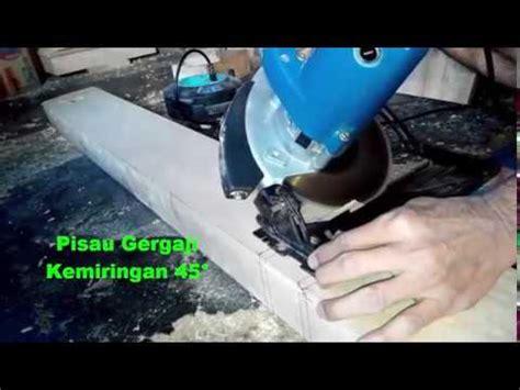 Gergaji Mesin Senso Kecil proses menebang pohon dengan gergaji mesin cutting do