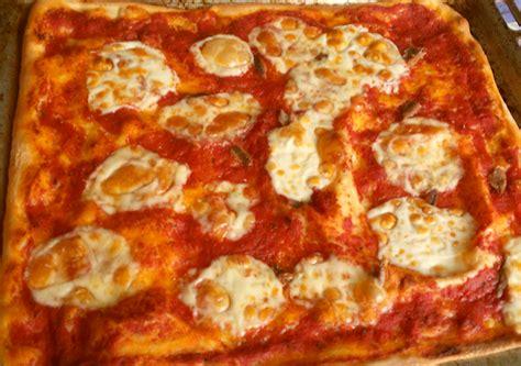 pizza nel forno di casa la cucina di nuccia pizza o focaccia in teglia nel forno