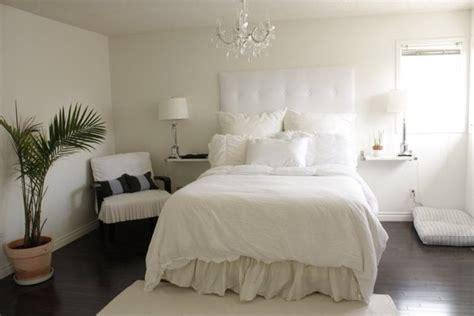 Brighten the bedroom with bedroom chandeliers sweet