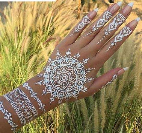 henna tattoo auf der hand 17 best ideas about white henna on henna