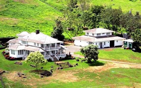 oprah winfrey house you can be oprah winfrey s neighbor in maui for only 32 million