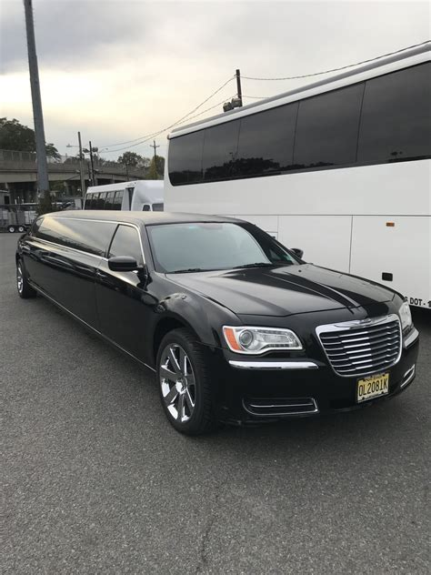 Chrysler Limousine For Sale by Used 2014 Chrysler 140 Quot Limousine 300 For Sale Ws 11714