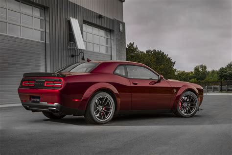 2018 dodge challenger hellcat widebody revealed