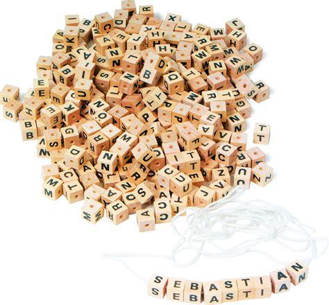 con lettere dadi con lettere
