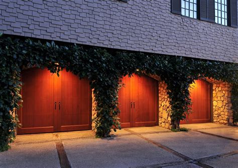 Saugus Overhead Door Clopaydoor Residential Garage Doors Exles 100 3 Door Garage 3 Car Garage Usda Territory Lot