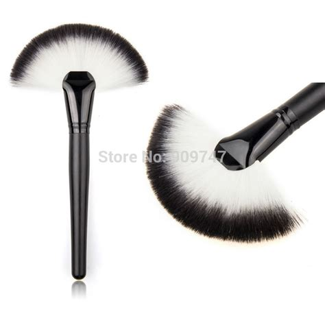 what is a fan makeup brush used soft makeup large fan brush blush powder foundation make